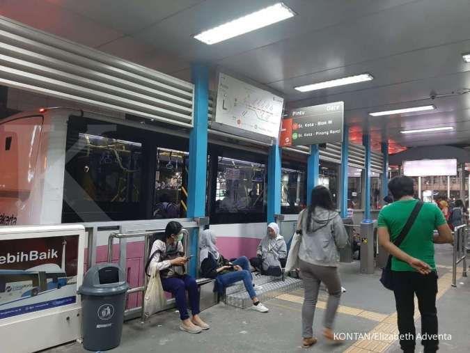 Ricuh demo di Atmajaya, perjalanan Transjakarta arah Blok M dan Kota kena imbasnya
