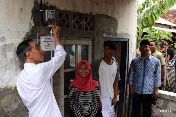 PLN sambung listrik gratis untuk warga tak mampu di Muara Gembong