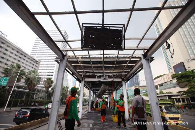 Transjakarta: Perbaikan halte bus yang rusak parah butuh waktu satu hingga dua bulan