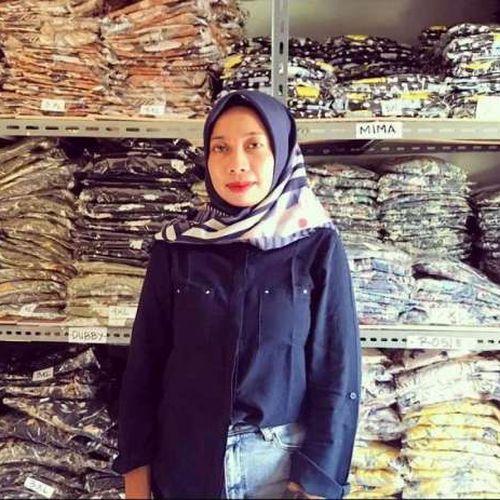 Rajin Ikuti Pelatihan Online, Perempuan Pemilik Toko Busana Muslim di Lazada Ini Berhasil Majukan Usahanya