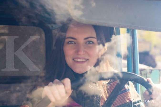 Begini tips bagi pengendara wanita ketika sedang berkendara sendirian