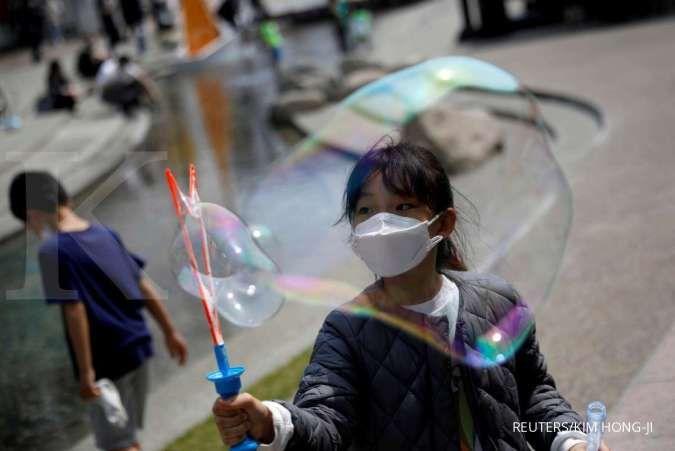 5 Cara mudah agar anak terbiasa memakai masker selama pandemi corona