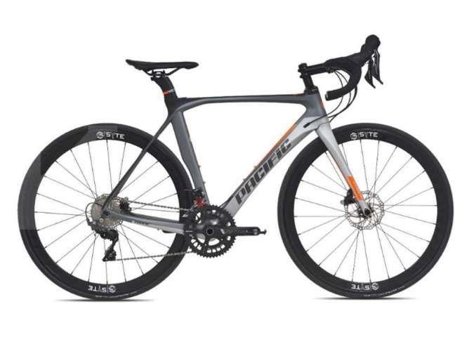Buat pecinta sepeda balap, harga sepeda balap Pacific Whizz bikin dompet Anda jebol