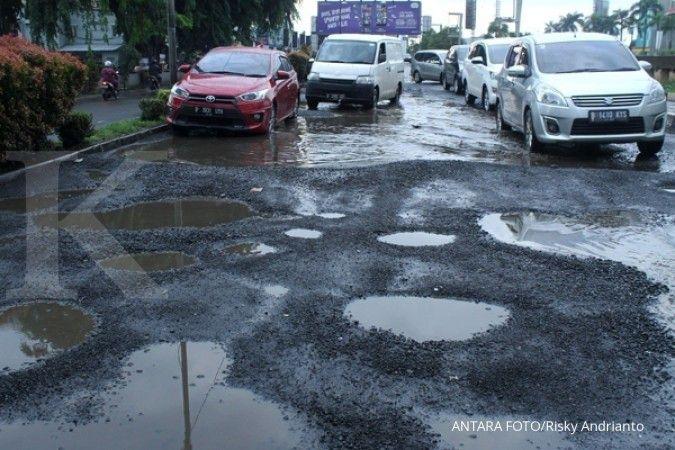 Dana habis untuk tangani Covid-19, Pemkot Bekasi tak perbaiki jalan rusak tahun ini