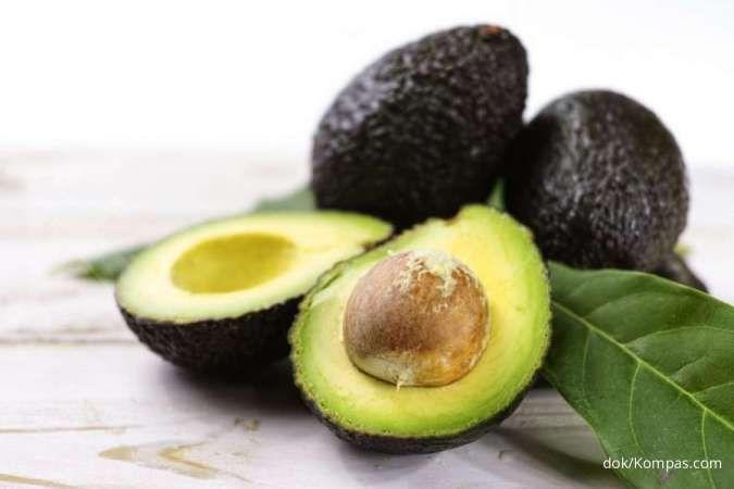 Daun alpukat bermanfaat sebagai obat herbal untuk asam urat