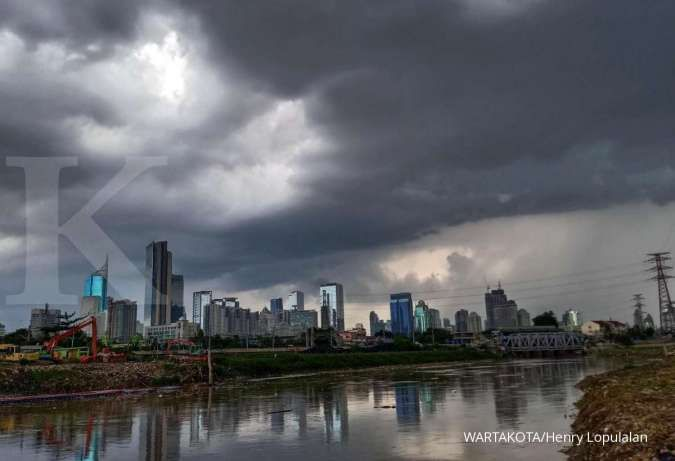 Peringatan dini cuaca besok di Jabodetabek: Hujan sedang-lebat pada malam-dini hari