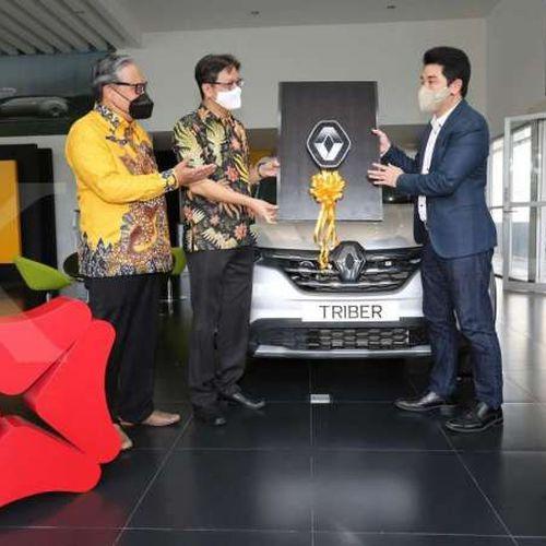 Kerjasama Universal Car Rental Dukung Bank DBS Indonesia Dalam Memberi Solusi Kendaraan Operasional Terpercaya