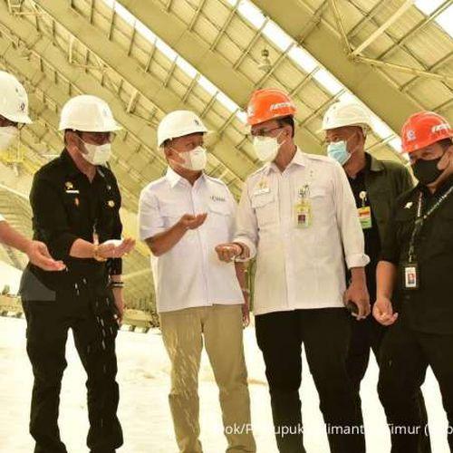 Jelang Musim Tanam Akhir 2021, Menteri Pertanian Tinjau Kesiapan di Pabrik Pupuk Kaltim