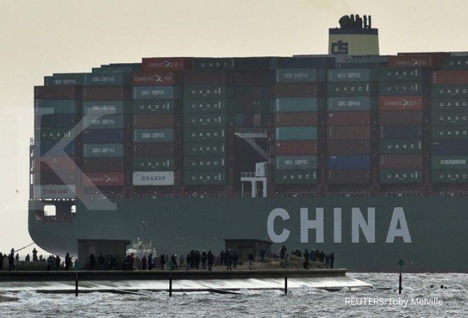 China's exports beat forecast amid power shortages