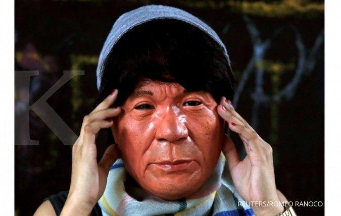 Topeng Presiden Filipina Duterte lagi