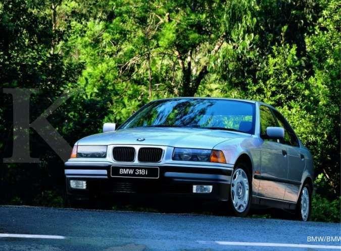 Pilihan sedan mewah murah, intip harga mobil bekas BMW seri 3 di akhir Februari