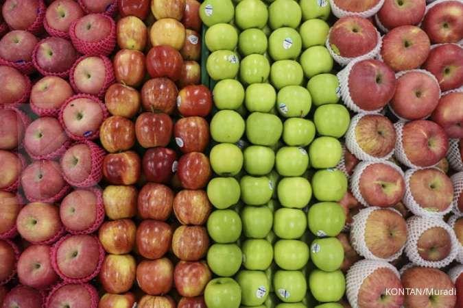 Makan apel dengan kulitnya atau tanpa kulit, mana yang lebih sehat?