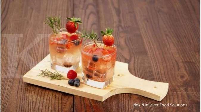 Rosemary Berry Infusion, minuman segar berwarna merah