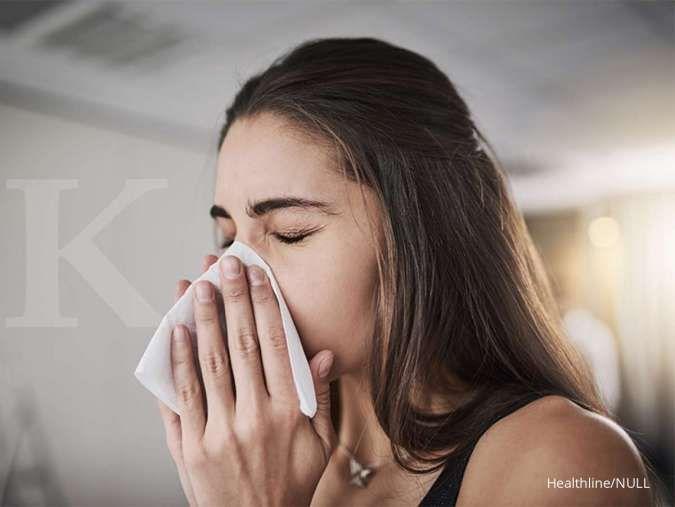 Menutup mulut dan hidung saat batuk atau bersin jadi salah satu cara mencegah Virus Corona.