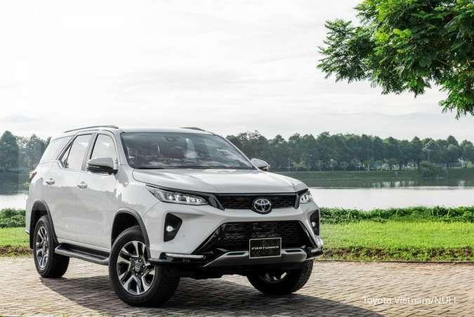 Mobil Toyota Fortuner Legender