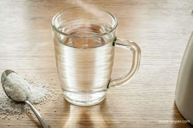 Air garam termasuk salah satu obat amandel.