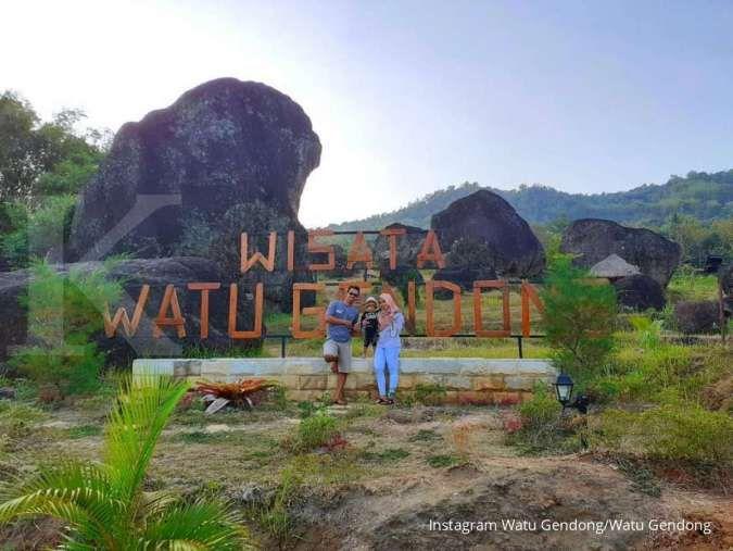 Watu Gendong, tempat wisata 5 batu raksasa sakral misterius