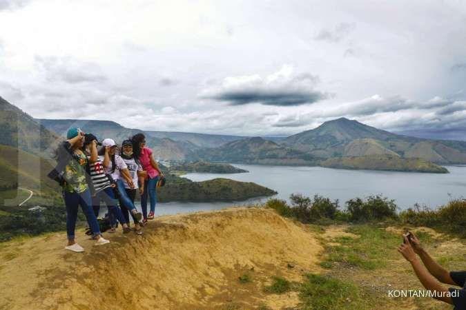 Kecantikan Danau Toba memikat hati wisatawan milenial