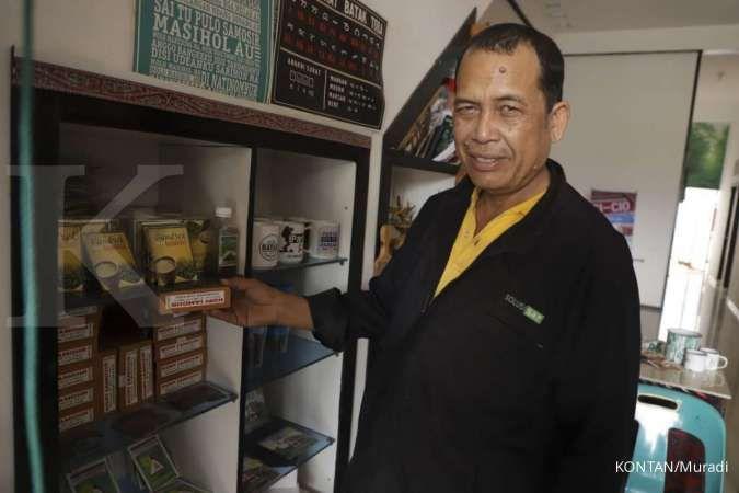 Mempertahankan tradisi minum kopi Robusta di Samosir