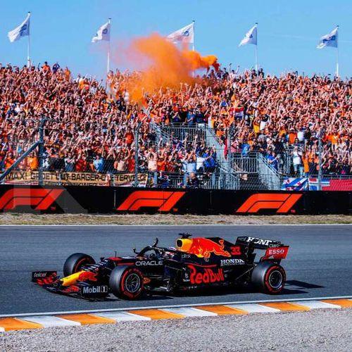 Max Verstappen Raih Kemenangan Bersejarah pada Ajang Balap F1 di Grand Prix Belanda 2021