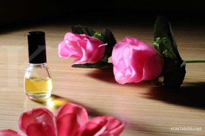Cara membuat air mawar yang mudah sekali untuk dicoba